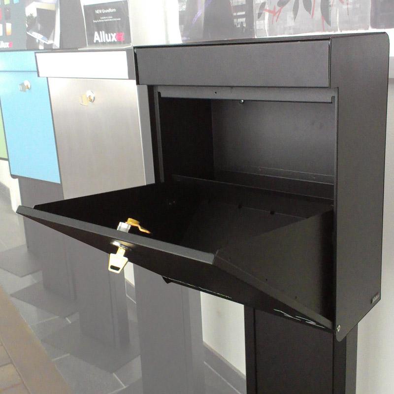 Allux briefkasten grundform schwarz briefk sten for Briefkasten anthrazit modern