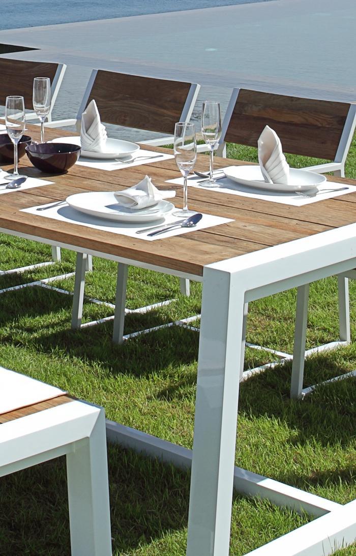 mamagreen baia tisch 240cm alu weiss teak gartenm bel. Black Bedroom Furniture Sets. Home Design Ideas